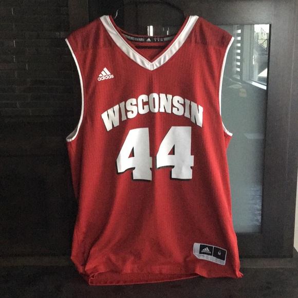 464b80d36bb2 Wisconsin Badgers Basketball Jersey. M 5b2eba32aa8770b2a3a1188f